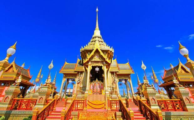 Source: http://www.telegraph.co.uk/inluxury/2758/1378292585254/bangkok_temple_2531264ajpg/ALTERNATES/w940-land/Bangkok_Temple_2531264a.jpg